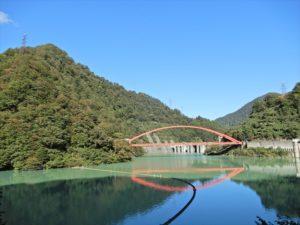 宇奈月ダム湖の様子