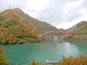 宇奈月ダム湖付近