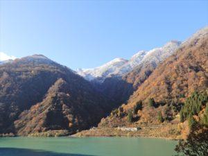宇奈月ダム湖からの景色
