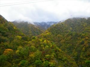 山の頂上の雪